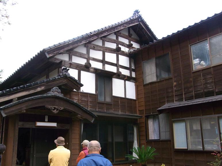 地震に耐えた伝統建築