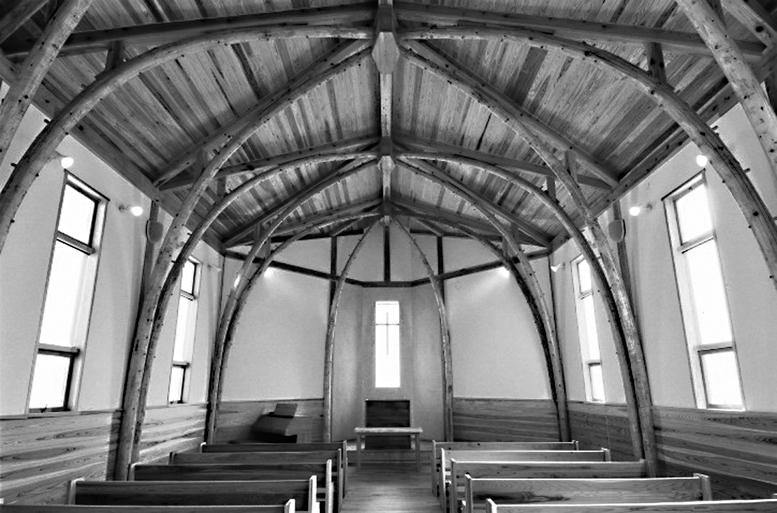 写真4 日本基督教団武生教会礼拝堂内部