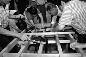 写真1 錦帯橋の5分の1模型制作
